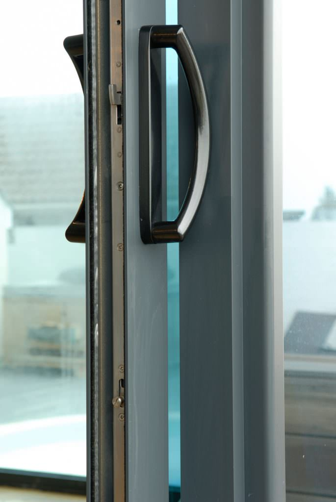 Smart aluminium patio doors